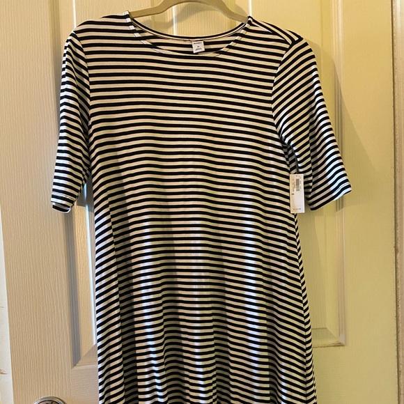 Old Navy Dresses & Skirts - T shirt dress